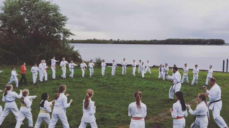 Veerse meer decor voor karate kamp