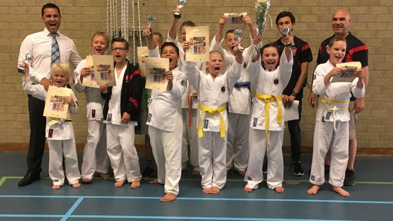 Warriors in de prijzen op karate toernooi